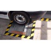 Оборудование для проверки детектора люфтов автомобиля